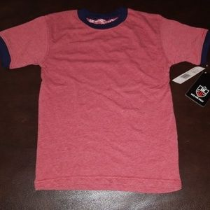 Wes and Willy t-shirt. NEW. 7